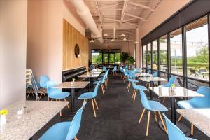 Galaxy-Cafe-11